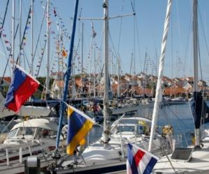 En sommardag i Gullholmens hamn - Foto: Carita Filipsson