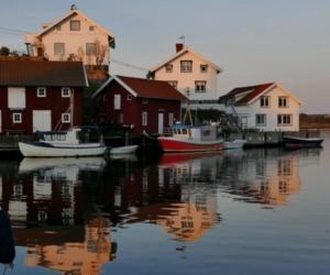 Spegelblankt i hamnen - Foto: Sven Andersson